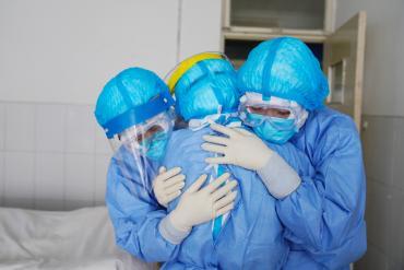 Hàng trăm người được chữa khỏi virus corona, cho xuất viện ở Trung Quốc