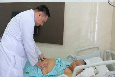 Việt Nam uses robot surgery for first time on kidney cancer patient