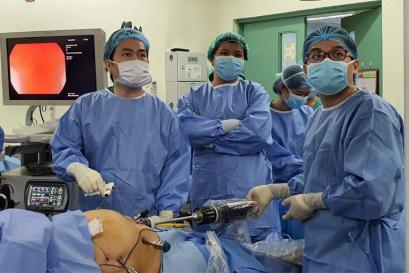 Bệnh viện Bình Dân hỗ trợ bệnh viện Philippines thực hiện thành công phẫu thuật robot lần đầu tiên