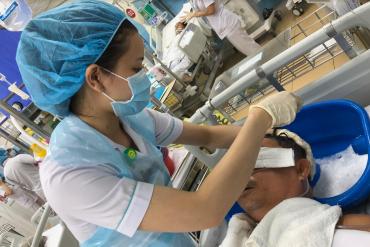 Mô hình điều dưỡng chăm sóc người bệnh toàn diện tại Khoa Hồi sức tích cực chống độc của Bệnh viện Bình Dân